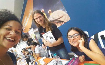 Educanda da Espiral apresenta livro na ExpoComics